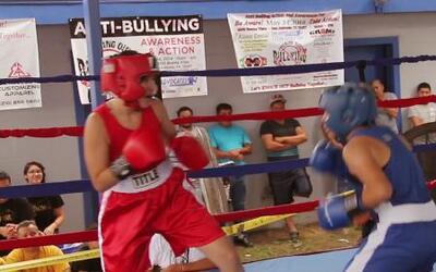 En San Antonio, jóvenes boxean para prevenir el 'bullying'