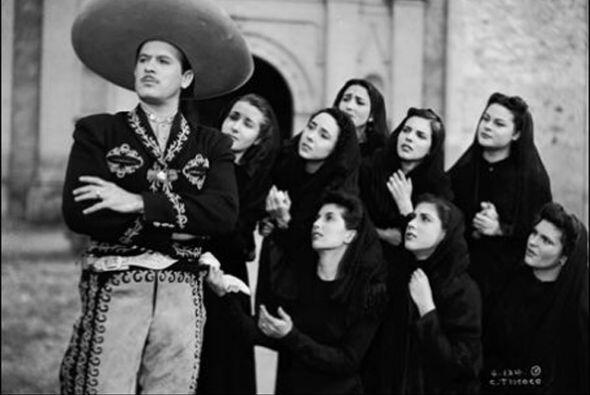 ¡Pedro Infante no ha muerto! y a 57 años de su pérdi...
