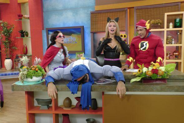 Los Superhéroes terminaron agotados por el arduo trabajo de combatir el...
