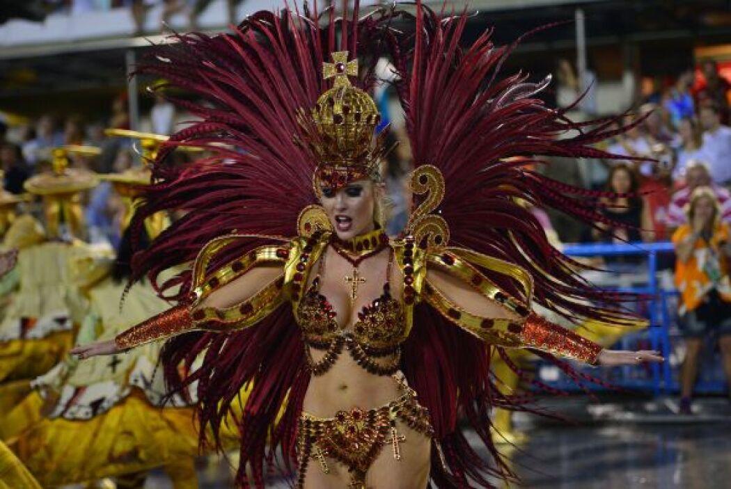 Pero el multitudinario y colorido desfile de la Gran Parada de Tradición...