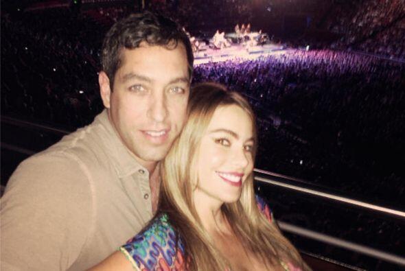 Con su amado Nick Loeb en el concierto de Bruce Springsteen. Mira aquí l...