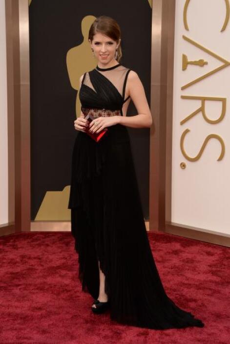 Una de las más sensuales de la noche sin duda alguna fue Anna Kendrick....