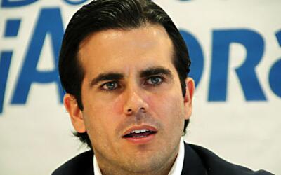 El gobernador electo de Puerto Rico, Ricardo Roselló, prometi&oac...