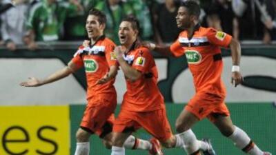 Los futbolistas del Lorient festejan luego de avanzar a semifinales.