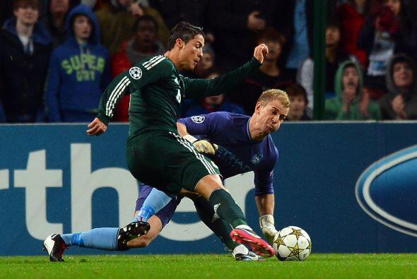 En la segunda mitad, el cuadro madridista pudo rematar al rival, pero ju...
