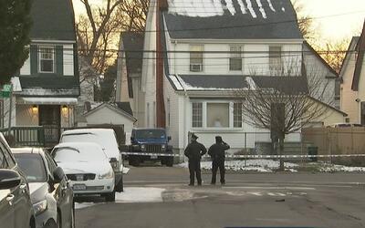 Policía investiga caso de mujer que fue apuñalada en el pecho en Queens