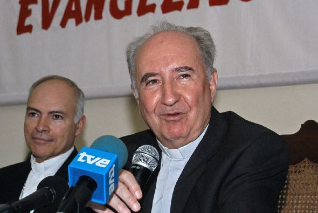 El cardenal chileno Francisco Javier Errázuriz es uno de los integrantes...