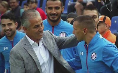 Julián Gil envió detectives con micrófonos encubiertos al estadio Azul