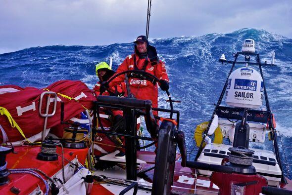 Un solo participante de la Volvo Ocean Race sigue en carrera hacia Brasi...