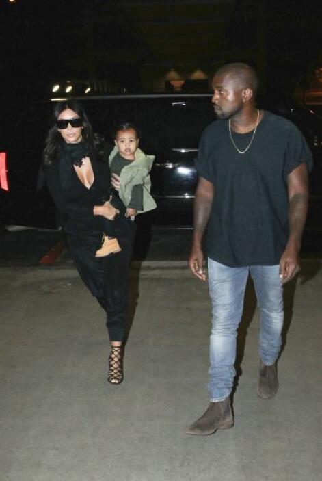 Y al llevar cargando a la bebé, en cualquier momento ¡TODO! se le podía...