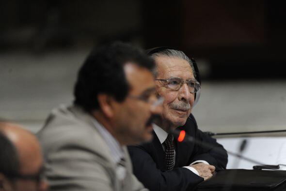 Uno de ellos, Miguel C. Sánchez, de 57 años, dijo que en julio de 1982 l...