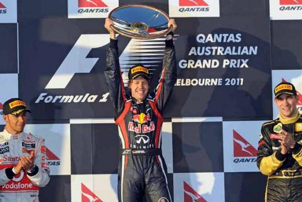 El popdio del Gran Premio de Australia, con Vettel, Hamilton y Petrov.