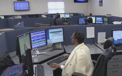 La policía de Dallas ofrece vacantes de empleo