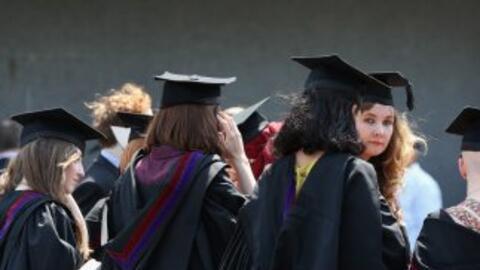 El Hispanic Scholarship Fund fue fundado en 1975 y ofrece becas lo mismo...