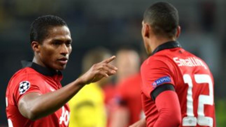 Valencia y Smalling marcaron gol en el claro triunfo de los ingleses en...