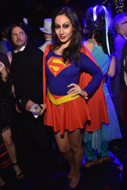 Super Girl estaba ahí para salvar a cualquiera.