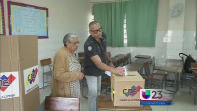 Conformes venezolanos en el exilio con elecciones de la oposición