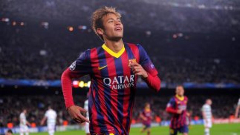 El brasileño es el primer jugador en lograr un triplete en 'Champions' a...