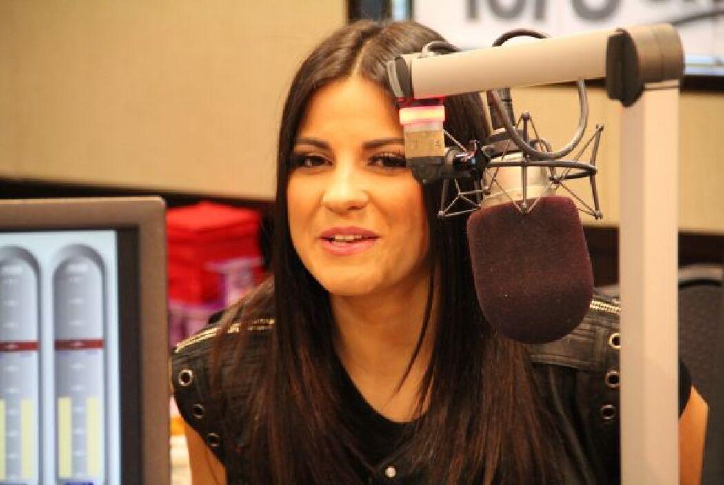 La cantante y actriz Maite Perroni compartió su nuevo disco Eclipse de L...