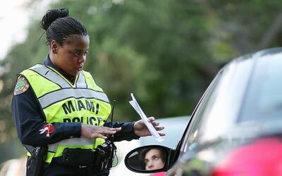 ¿Qué documentos tienes que llevar contigo si te paran las autoridades?