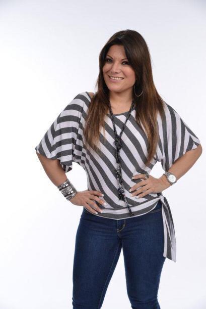 Diana Reyes llegó muy sonriente al salón de Univision.com