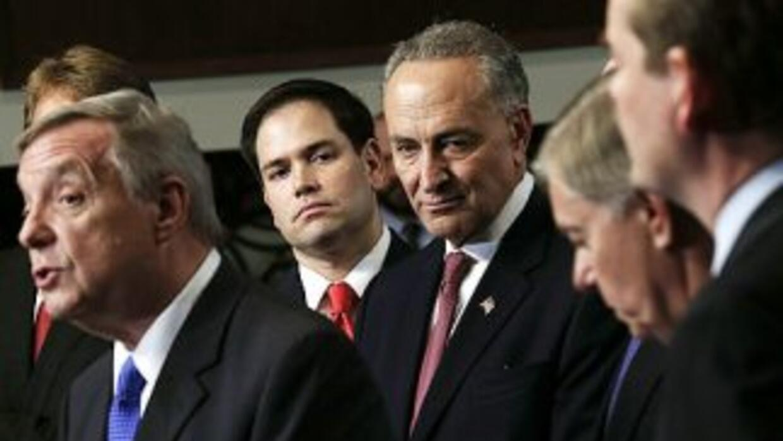 El Grupo de los Ocho senadores que escribieron un plan de reforma migrat...