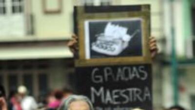 Compañeros y ciudadanos deploraron el crimen de la periodista mexicanaR...