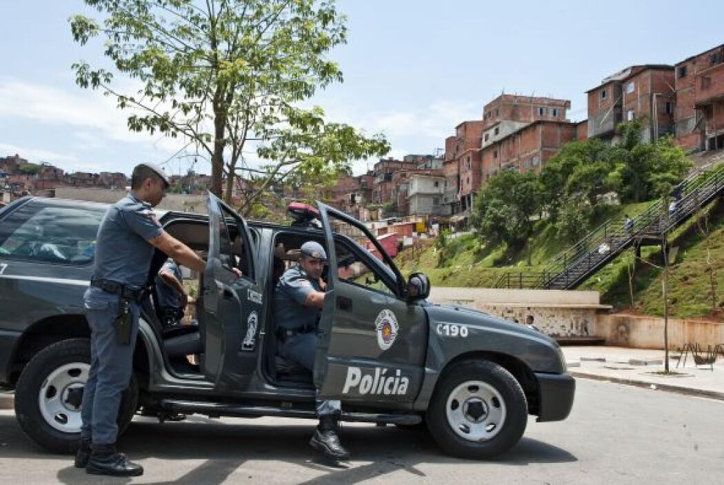 Unos 600 integrantes del batallón de choque de la policía militar fuerte...