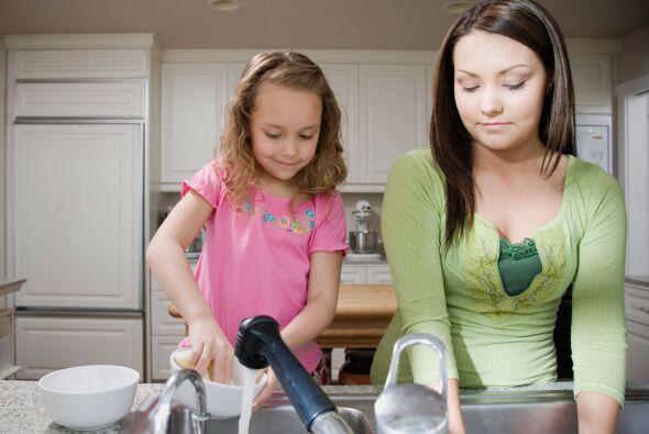 Los niños. Hay tareas del hogar que solo pueden hacerse los fines de sem...