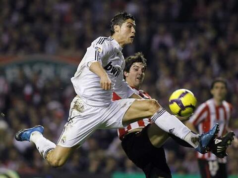 El Real Madrid visitó la 'Catedral' del fútbol de Espa&nti...