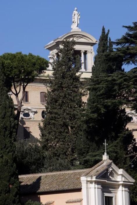 """""""Cuando el Papa se retire, se mudará primero a Castel Gandolfo y luego,..."""