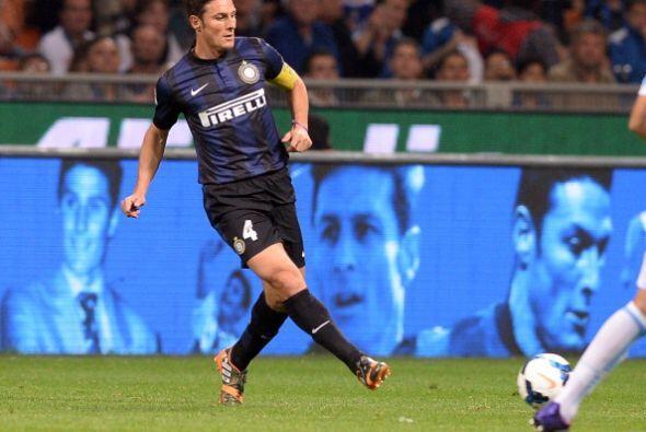 Zanetti, de 40 años, dijo adiós a los seguidores interista...