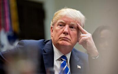 El presidente Donald Trump en un encuentro con empresarias el 27 de marz...