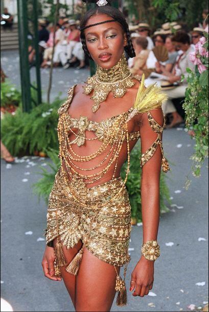 Gracias a su belleza, sensualidad, porte y estilo, es considerada como u...