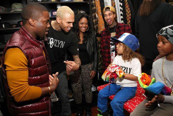 El espíritu navideño de Chris Brown