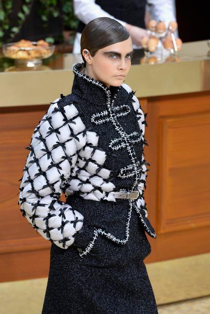 El lado francés de Chanel sigue presente y Karl Lagerfeld se enca...