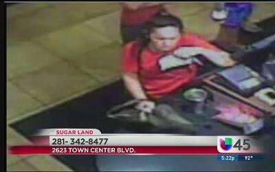 Mujer robó acompañada de su hija