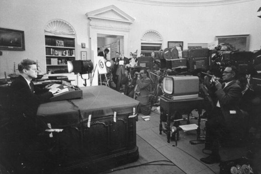 El presidente Kennedy anunció a la nación americana sobre el bloqueo est...