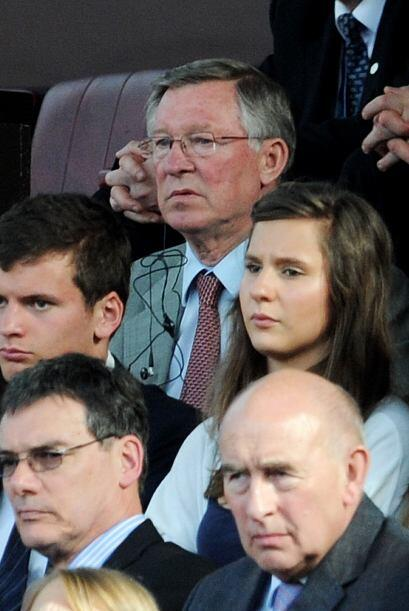 El DT Alex Ferguson presenció el partido desde la tribuna cumplie...