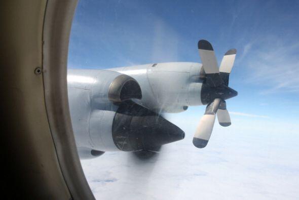 Ese 24 de marzo la búsqueda del avión se reorientó...