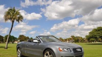 El Audi A5 Cabriolet 2011 conjuga el elogiado lenguaje de diseño de Audi...