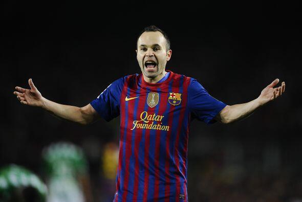 Iniesta, Messi, Xavi, Alexis, todos buscaban ese empate y comenzaba a ap...