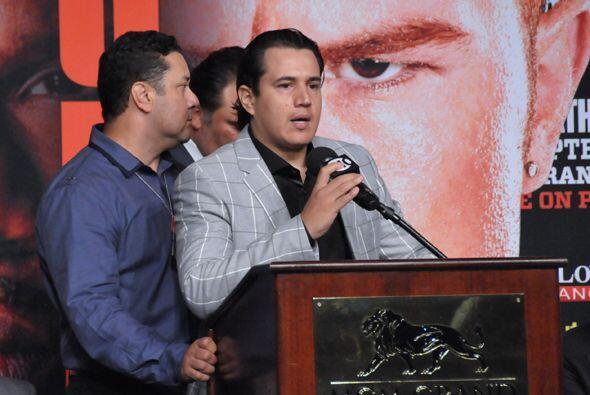 Eddie Reynoso, entrenador de Saúl Alvarez, dijo que están...