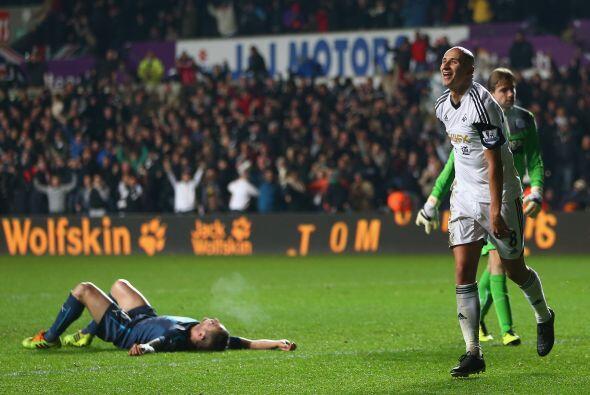 Swansea City goleó al Newcastle con un sorpresivo 3-0.