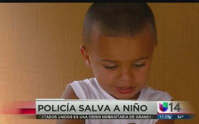 Agente salvó de morir a un pequeño que cayó en la alberca de su casa