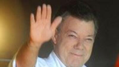 Santos, virtual sucesor de Uribe 28a270fd644f41848ae5aec5f41e78cf.jpg