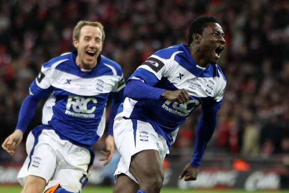 El nigeriano Martins mandó al fondo de las redes el balón tras un terrib...