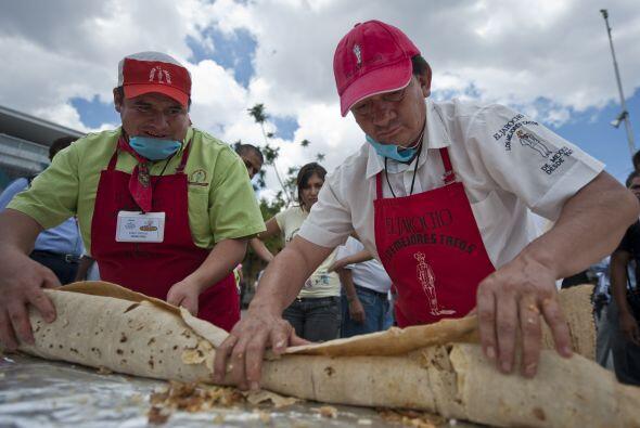 En esta obra culinaria participaron decenas de personas.