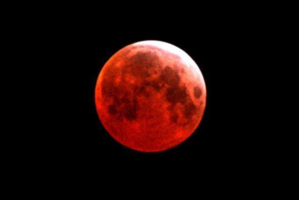 """¿Por qué le llaman la """"Luna de sangre""""? El nombre puede asustar a alguno..."""