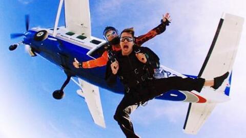 William Valdes cumplió su sueño de tirarse en paracaídas